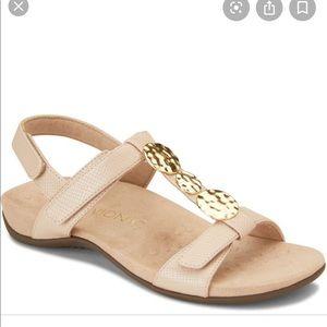 Vionic Farra Lizard Nude Sandals size 11